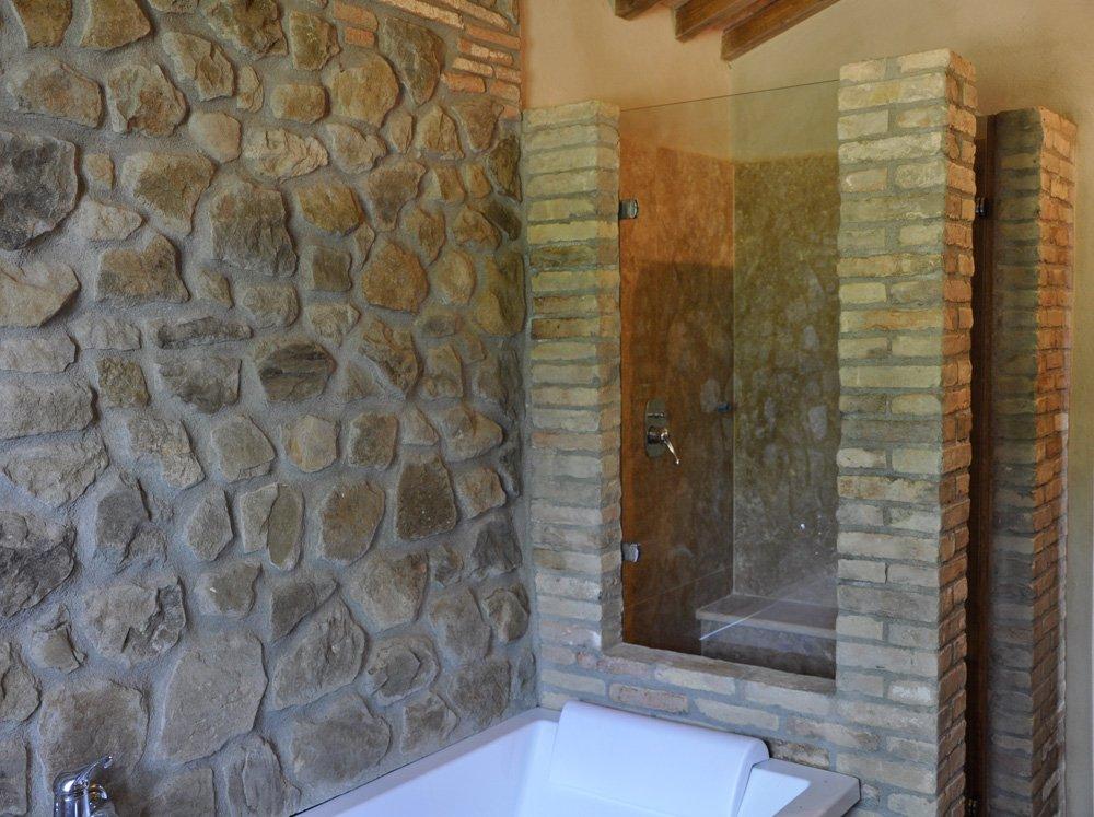 Pareti In Vetro Per Vasca : Angolo doccia su pietra