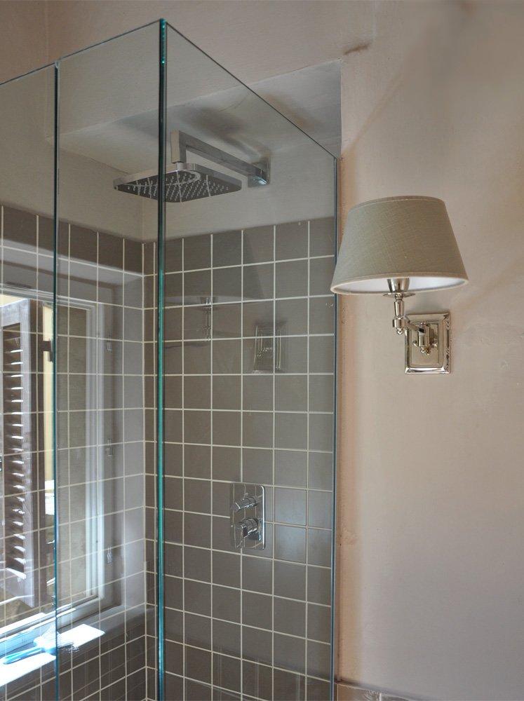 Tavoli in legno allungabili - Vasca doccia in muratura ...